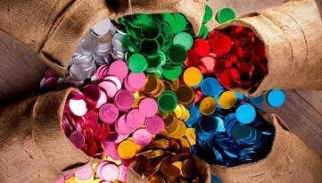 מטבעות שוקולד צבעוניות במיתוג אישי