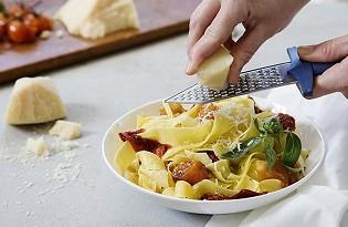 מגרדת גבינה - Gratiator