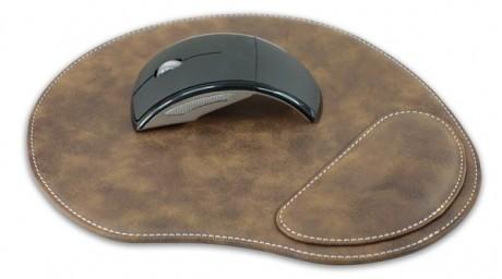 פד ממותג לעכבר דמוי עור עם כרית יד ארגונומית