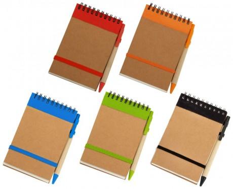 פנקס A6 אישי ממותג מנייר ממוחזר עם עט בצבע תואם