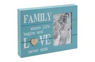 מסגרת עץ ממותגת לתמונה משפחתית