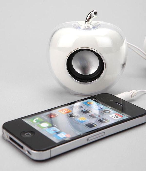 רמקול בעיצוב תפוח