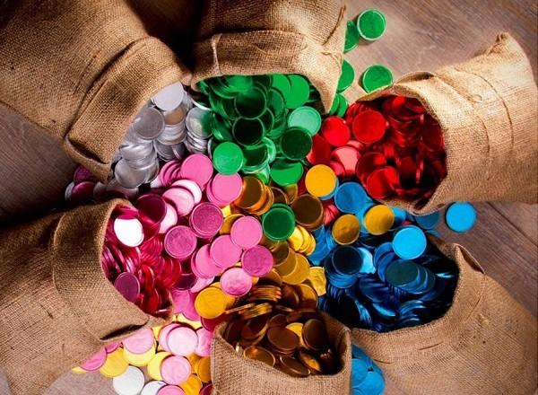 מטבעות שוקולד צבעוניות