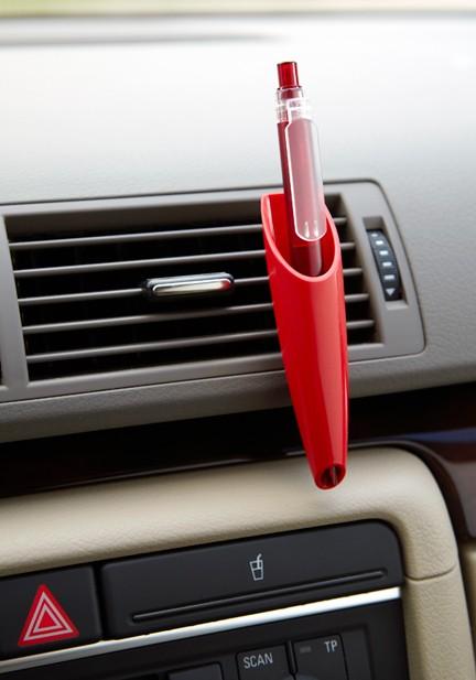 אוחז עט לפתחי המזגן ברכב