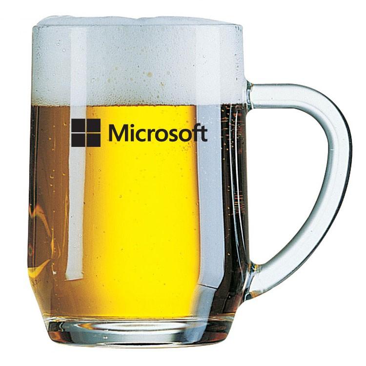 כוס בירה עם ידית