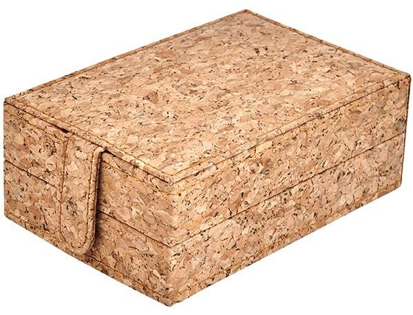 סוגר הקופסה עשוי אף הוא עץ שעם והנעילה מתבצעת על ידי סוגר מגנט